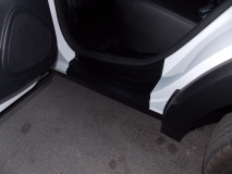 Накладки в проемы (передних и задних) дверей